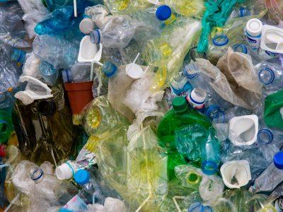 segregacja odpadow 400x300 - Jak powinna przebiegać segregacja odpadów ?
