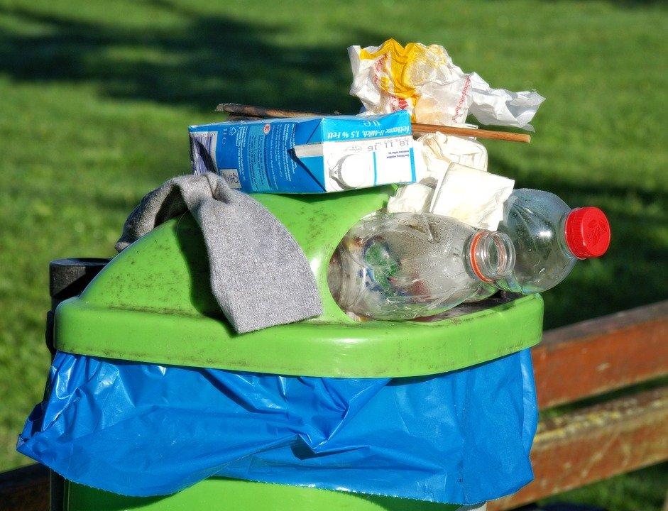 Zakaz mieszania śmieci musi respektować każdy z nas