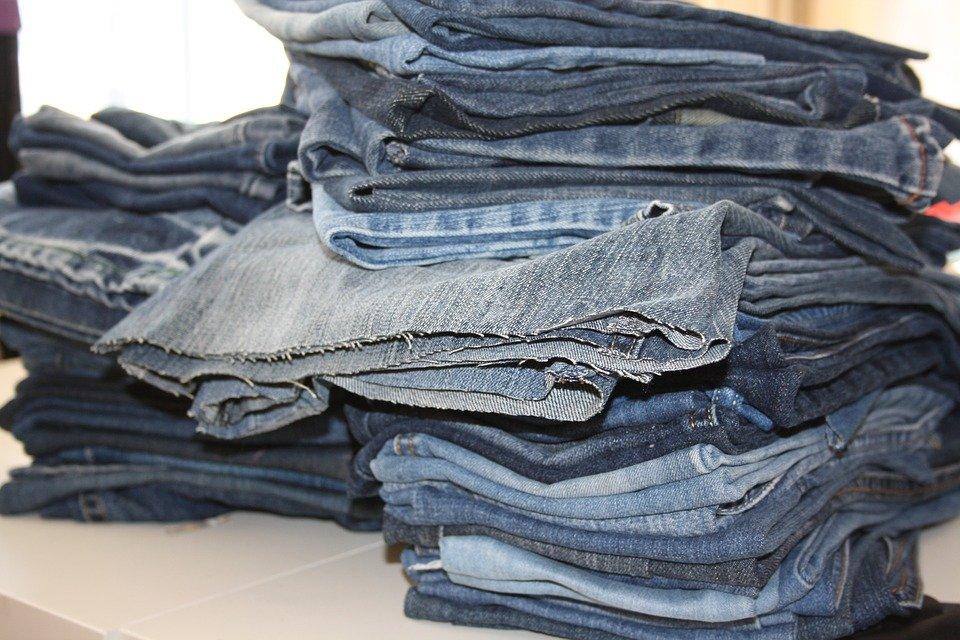 Stare ubrania to nie lada problem