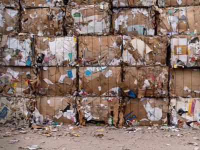 selektywna zbiorka w firmie 400x300 - Segregacja odpadów w firmie