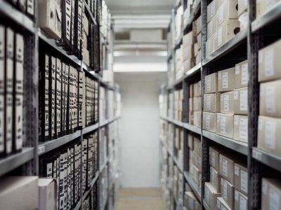 gdzie wyrzucac dokumenty 400x300 - Jak utylizować dokumenty ?