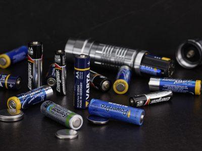 gdzie wyrzucac baterie 400x300 - Gdzie wyrzucać baterie ?