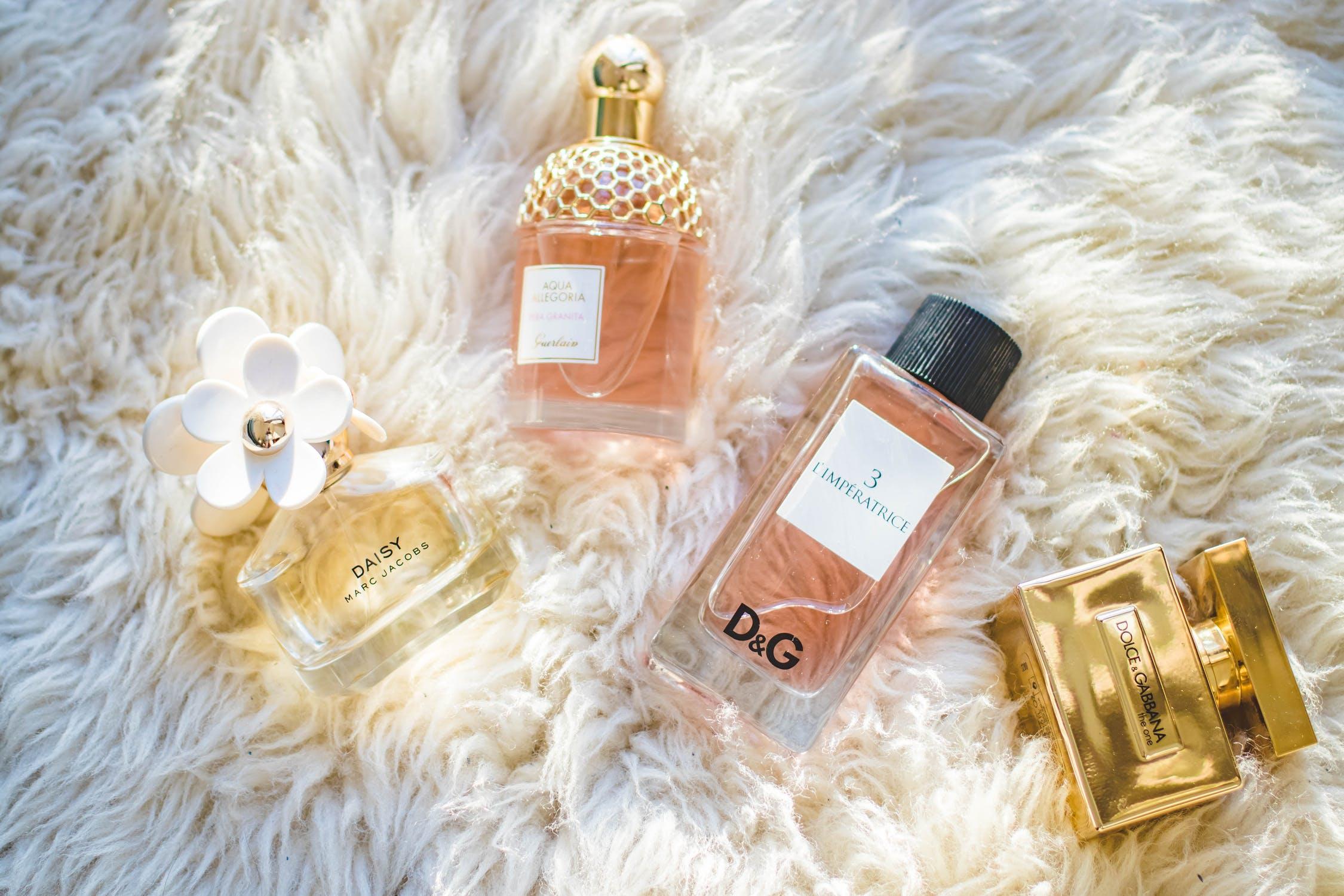 Gdzie wyrzucać flakony po perfumach ?
