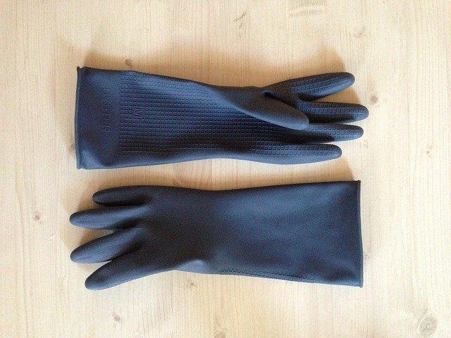 Gdzie wyrzucać gumowe rękawiczki ?