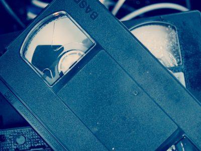 gdzie wyrzucac kasety vhs 400x300 - Gdzie wyrzucać kasety VHS ?