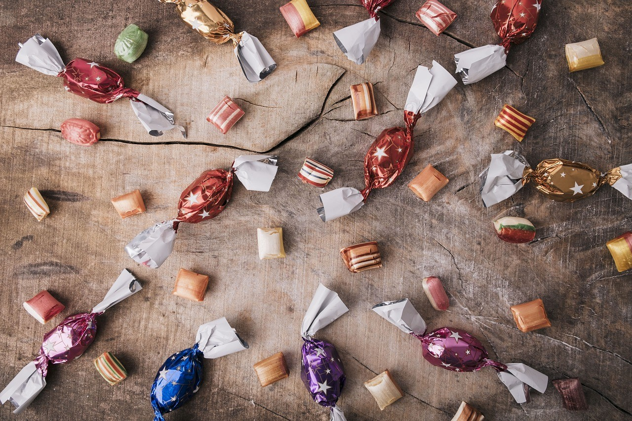 Gdzie wyrzucać papierki po cukierkach ?